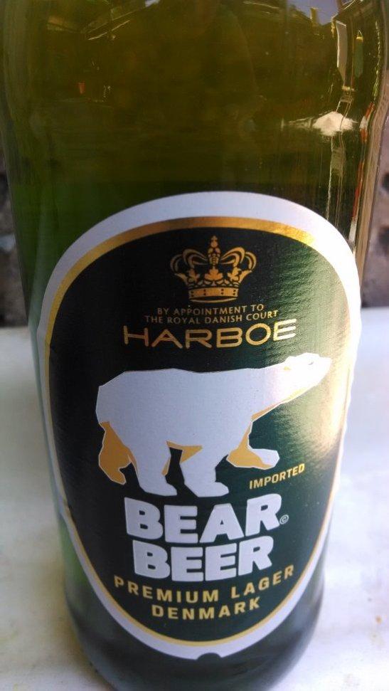 Juego de palabras, si uno las pronuncia suenan igual. Esta cerveza no la conocía y me gustó.